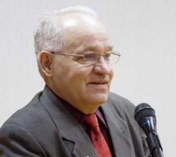 Депутат Валерий Якушев стал больше работать и зарабатывать