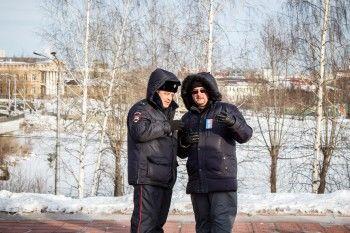 Госкомпания и муниципальный Дворец молодёжи уведомили волонтёра Навального из Нижнего Тагила о грядущей потере работы. «В последнее время я не верю в совпадения»