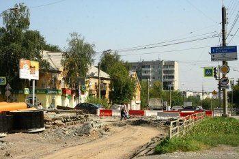 Из-за капитального ремонта улицы Космонавтов предприниматели закрывают бизнес и увольняют персонал. Движение по ключевой магистрали обещают открыть только в 2018 году