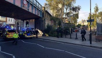 В полиции взрыв в лондонском метро назвали терактом