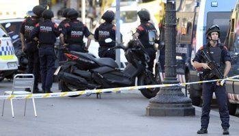 Полиция сообщила о попытке теракта в городе к юго-западу от Барселоны (ВИДЕО)