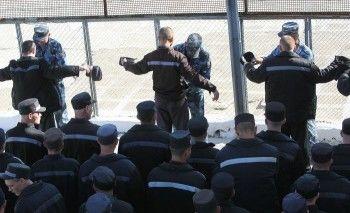 В Элисте сотрудников колонии посадили за погибшего при пытках заключённого (ВИДЕО)