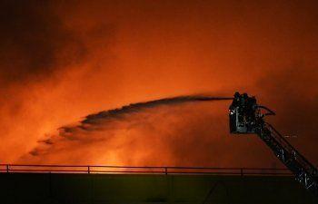 На рынке в Ростове-на-Дону локализовали пожар, охвативший 6 тысяч квадратных метров (ВИДЕО)