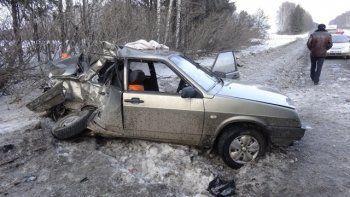 Под Нижним Тагилом после ДТП с грузовиком водитель ВАЗа впал в кому