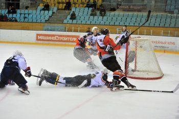 «Спутник» одержал вторую победу в чемпионате ВХЛ