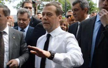 Медведев поднял уровень прожиточного минимума в России