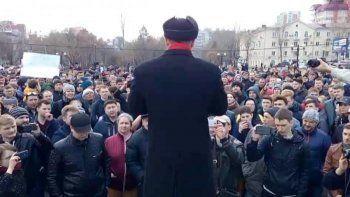 В России начались митинги против коррупции. СМИ сообщают о десятках задержанных полицией