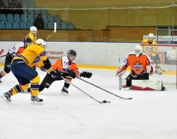 ХК «Спутник» в Нижнем Тагиле уверенно обыграл аутсайдера чемпионата ВХЛ