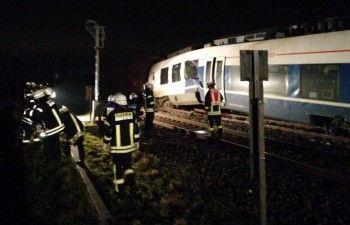ВГермании при столкновении пассажирского и грузового поездов пострадали более 40 человек