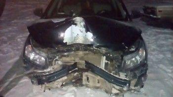 В Нижнем Тагиле пьяный автослесарь угнал машину клиента и разбил её о столб (ВИДЕО)