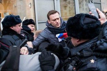 Навального отпустили под обязательство о явке