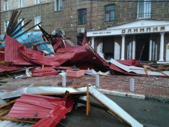 «Один человек погиб, десятки пострадавших». Мощнейший ураган изуродовал Нижний Тагил