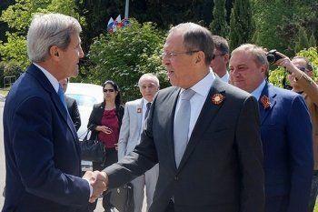 Лавров и Керри договорились способствовать исполнению минских соглашений