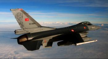 Военные Турции сбили неопознанный самолёт на границе с Сирией