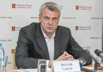 Депутаты отказались поддержать постановление Носова, но он не в обиде
