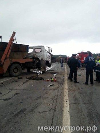 17 человек остаются в больницах Тагила после аварии на трассе