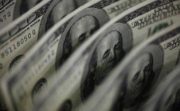 Минфин вдвое сократит объёмы закупки валюты