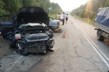 В ДТП под Нижним Тагилом погибли младенец и мужчина (ФОТО)
