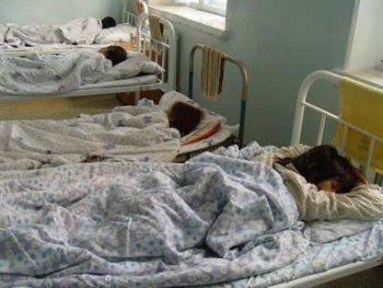 В детском лагере под Нижним Тагилом отравились 14 человек