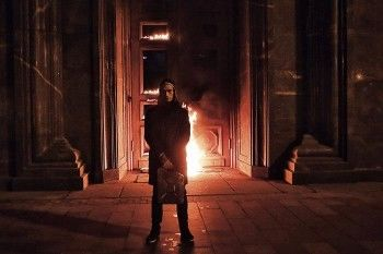 За поджог ФСБ художника Павленского оштрафовали на полмиллиона рублей