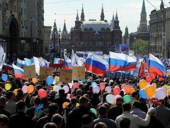 Единороссы призовут россиян уезжать на Дальний Восток. Партия власти разослала по регионам методичку с 36 патриотичными лозунгами к Первомаю