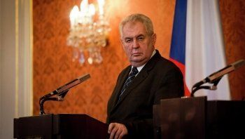 В Екатеринбург прилетит президент Чехии Милош Земан