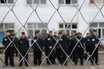 ОНК: В исправительной колонии Тавды зэки устроили массовые беспорядки