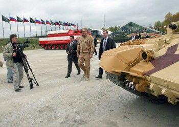 Зампред правительства Дмитрий Рогозин прорекламирует завтра «УВЗ» на всю страну