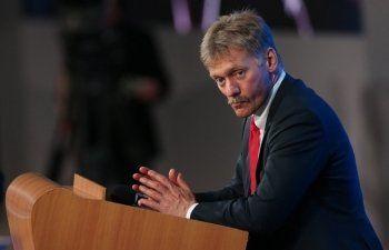 Пресс-секретарю президента Дмитрию Пескову снизили зарплату на 10%
