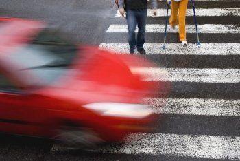 Госдума повысила штрафы водителям, не пропустившим пешеходов на «зебре»