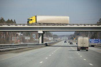 В Свердловской области введут плату за проезд большегрузов по дорогам федерального значения