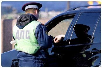 Депутаты хотят разрешить регионам увеличивать штрафы за нарушения ПДД. Начальник ГИБДД Нижнего Тагила предложил «расстреливать» и отбирать машины