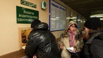 Депутаты попросили Путина разрешить киргизским водителям работать с иностранными правами