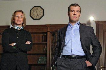 Пресс-секретарь Медведева назвала результаты опроса о резком снижении рейтинга премьера «политическим заказом»
