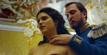 Крупнейшая сеть российских кинотеатров отказалась от показов «Матильды»