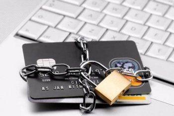 Клиенты российских банков пожаловались на массовые блокировки карт