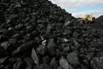 ДНР приостановила поставки угля в Украину