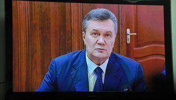 Допрос Януковича перенесли из-за беспорядков