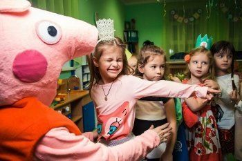 В Перми свинка Пеппа и черепашки-ниндзя агитировали детей за кандидатов «Единой России» (ВИДЕО)