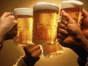 Депутат Госдумы хочет вернуть право людям и животным рекламировать пиво