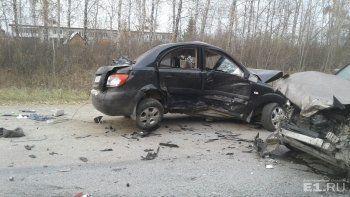 На Полевском тракте в ДТП с четырьмя автомобилями погибла женщина