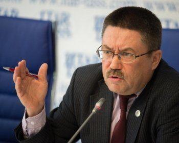 Свердловский детский омбудсмен требует признать незаконным зачисление в школы первоклассников с временной пропиской