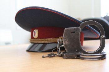 Обманувший хабаровчан тагильский зэк раньше служил в правоохранительных органах