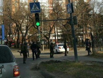 ФСБ назвала нападавшего на приёмную в Хабаровске неонацистом