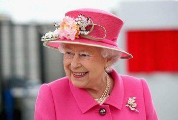 СМИ сообщили о планах Елизаветы II отречься от престола через четыре года