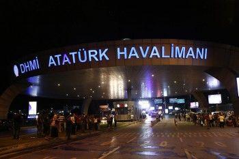 Жертвами теракта в аэропорту Стамбула стали около 50 человек