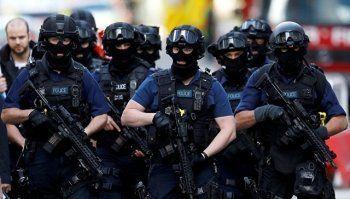 Полиция задержала 12 человек по делу о теракте в Лондоне
