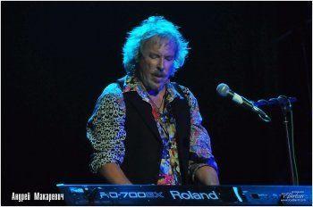 «Как же послушно стали глистами бывшие братья мои». Макаревич записал песню о смерти русского рок-н-ролла (ВИДЕО)