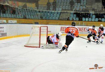 ХК «Спутник» одержал вторую победу в Нижнем Тагиле над «Ермаком»