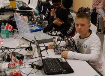 «Хочу заниматься разработками в сфере искусственного интеллекта». 11-летний школьник из Нижнего Тагила принял участие в финале Всемирной олимпиады роботов в Индии